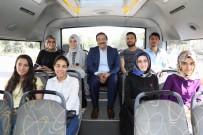 Otobüse Bindi, Vatandaşları Dinledi