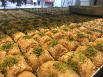 Ramazan Tatlıları Tezgahları Süslüyor