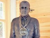 Esin Övet - Selahattin Aydoğdu'nun heykelini kaldırdılar