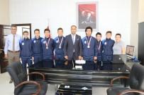 Türkiye Şampiyonu Takım Para İle Ödüllendirildi
