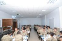 TABUR KOMUTANLIĞI - Vali Ünlü Askerlerle İftar Yaptı