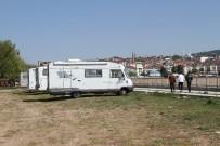 YAYLA TURİZMİ - Yabancı Turistler Günbatımını İzlemek İçin Karavanlarıyla Beyşehir'e Geliyor
