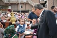 ÜÇPıNAR - Yunusemre'de İftar Sofrası Üçpınar'da Kuruldu