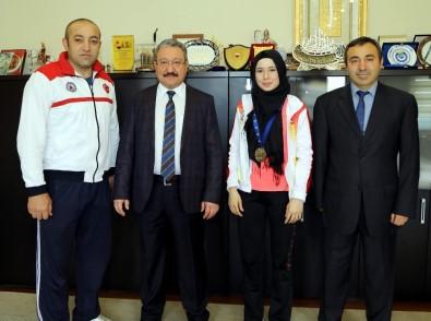 Avrupa Şampiyonu Sporcudan ERÜ Rektörü Güven'e Ziyaret