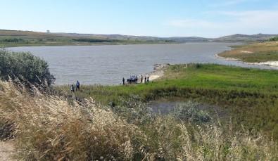 Baraj Kenarında Korkutan Görüntü Açıklaması Polis Ekipleri Geldi