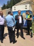 RAMAZAN CAN - Başkan Saygılı'dan Kaza Yapan AK Parti Aracına Müdahale