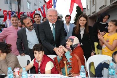Başkan Uysal Ataşehirlilerle Sokak İftarında Buluştu