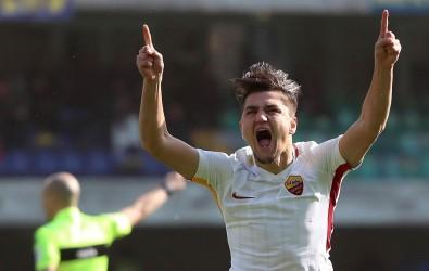 Cengiz Roma'da yılın genç oyuncusu seçildi