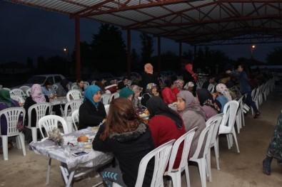 Çivril'de İftar Sofrası 2 Mahallede Kuruldu