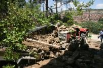 TOPRAK KAYMASI - Denizli'nin Güney İlçesinde Yaşanan Sel Felaketi