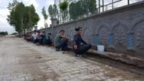 KÜMBET - Güroymaklı Öğrenciler Duvarları Resimlerle Donattı