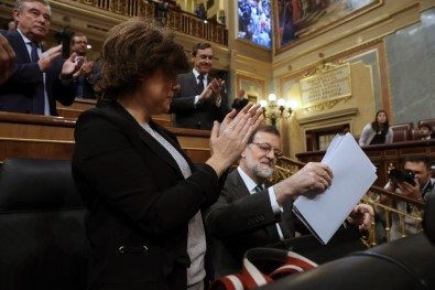 İspanya, Rajoy'a Gensoruyu Tartışıyor