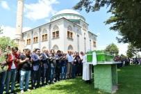 Kazada Hayatını Kaybeden Hasan Akgümüş Toprağa Verildi