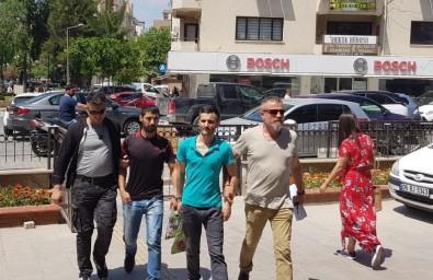 Kuşadası'nda 'Dur' İhtarına Uymayan Şüpheliler Kovalamacayla Yakalandı