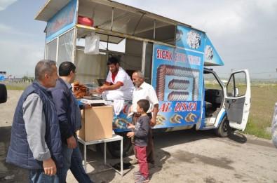 Şanlıurfa'dan Gelen Tatlı Ustası, Günde 90 Kilo Tatlı Satıyor