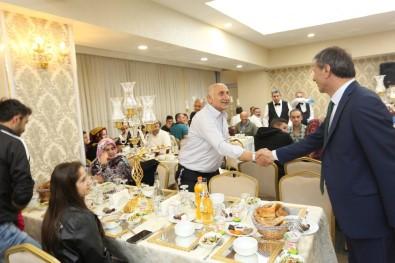 Serdivan Belediye Personeli İftarda Bir Araya Geldi