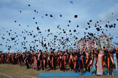Sinop'ta 2 Bin 342 Öğrencinin Mezuniyet Heyecanı