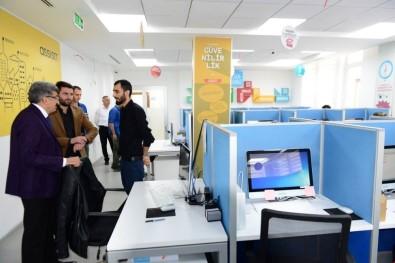 Vali Bilmez, Assist Çağrı Merkezi Ziyaret Etti