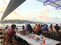 ÜSKÜDAR BELEDİYESİ - Valide Sultan Gemisi'nde Yetim Ve Öksüz Çocuklara Özel İftar