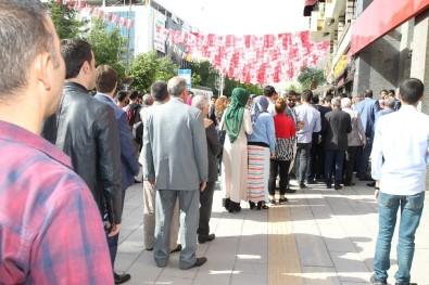 Van'dan Cumhurbaşkanı Erdoğan'ın Seçim Kampanyasına Bağış Desteği