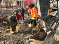 YOL ÇALIŞMASI - Başkale Belediyesinden Hummalı Çalışma