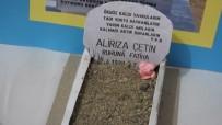 HÜSEYIN ÖNER - Burhaniye'de Liseli Gençler Mezar Taşlarını İnceledi