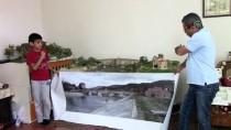 ABDULLAH KARAKUŞ - Diorama Çalışmaları İçin Evini Atölyeye Çevirdi