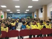 AHMED-I HANI - Eğitimci Yazar Ferzende Tanışır İlköğretim Öğrencileriyle Söyleşi Yaptı