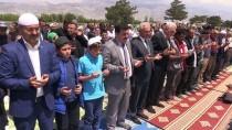 ALI ARSLANTAŞ - Erzincanlılar Yağmur Duasına Çıktı