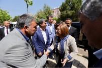 İŞÇİ EMEKLİSİ - Fatma Şahin, Karacaoğlan Mahalle Muhtarlığının Açılışını Yaptı