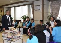 KANSER TEDAVİSİ - 'Kitap Getirdim Sana Projesi'ne Destekler Sürüyor