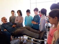 SINIF ÖĞRETMENİ - Öğrenciler, Kızılay Kan Bağışı İstasyonu'nu Gezdi