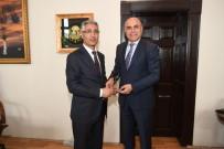 ALİ KORKUT - Vergi Dairesi Başkanından Ali Korkut'a Plaket