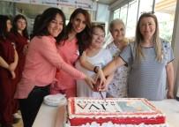 BERLIN - Aydın'da Ebeler Günlerini Pasta Keserek Kutladı