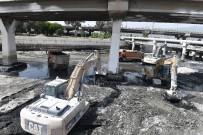KIŞ MEVSİMİ - İzmir'in Derelerinden 10 Günde 20 Bin Ton Atık Çıkarıldı