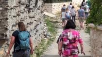 YABANCI TURİST - Tarihi Sarıhacılar, 100 Bin Turist Bekliyor