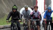 AYHAN ZEYTINOĞLU - Bisikletle Osmangazi Köprüsü'nden Geçtiler