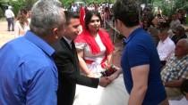 YAŞAR KEMAL - Hem Düğünlerini Hem Hıdırellez'i Kutladılar
