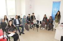 AHMET BİLGİN - Öğrenciden Ev Hanımına İngilizce Öğreniyor