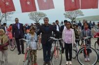 MEHMET ALİ ÖZKAN - Tatvan'da Başarılı 300 Öğrenciye Bisiklet Hediye Edildi
