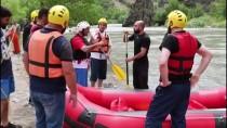 MUNZUR ÇAYı - Tunceli Valisi Sonel Rafting Yaptı