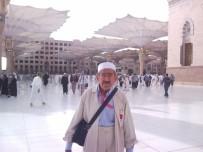 CEMAL GÜRSEL - Yaşlı Adam Cami Çıkışı Minibüs Altında Kaldı