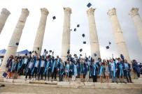 CELAL BAYAR ÜNIVERSITESI - Arkeoloji Bölümü Öğrencileri Antik Kentte Kep Attı