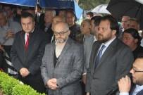 ANMA TÖRENİ - Bursaspor'un Şampiyon Başkanı Mezarı Başında Anıldı