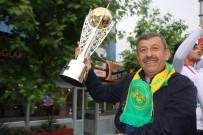 DARıCA GENÇLERBIRLIĞI - Darıca Gençlerbirliği Şampiyonluğu Kutladı