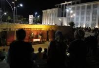 KÜLTÜR BAKANLıĞı - Döşemealtı Kent Meydanı'nda Tiyatro Oyunu Sahnelendi