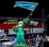 MAHMUT TUNCER - Ersoy Ve Tuncer'den Türkmenlere Destek Konseri