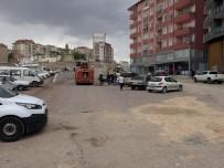 PATLAMA SESİ - Kepçe, Doğalgaz Borusunu Patlattı