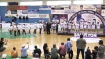 BODRUM KAYMAKAMI - Kırçiçeği Bodrum Basketbol Kupasını Aldı