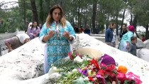 ALI EKBER - Mezarlıkta Hıdırellez Geleneğini 6 Asırdır Yaşatıyorlar